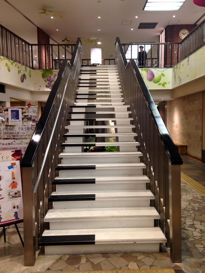 岐阜駅 ピアノの階段